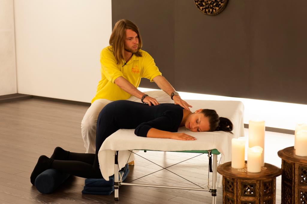Behandlung bei Rückenschmerzen von Matthais Brummer